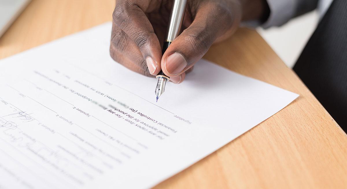 Pour la vente de bien immobilier par une agence immobilière, on distingue le mandat simple, le mandat exclusif et le mandat semi-exclusif.