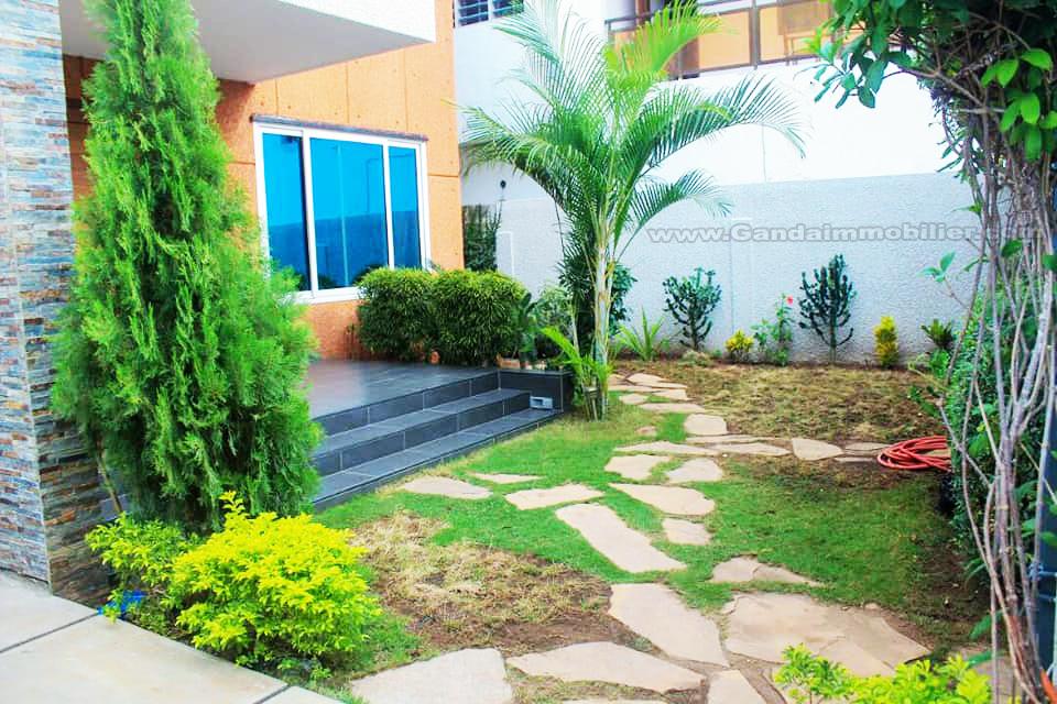 Luxueuse villa à louer à Cotonou