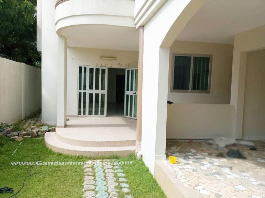 Villa duplex à louer à akpakpa cotonou