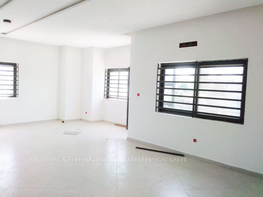 Appartement 03 chambres salon à Akpakpa