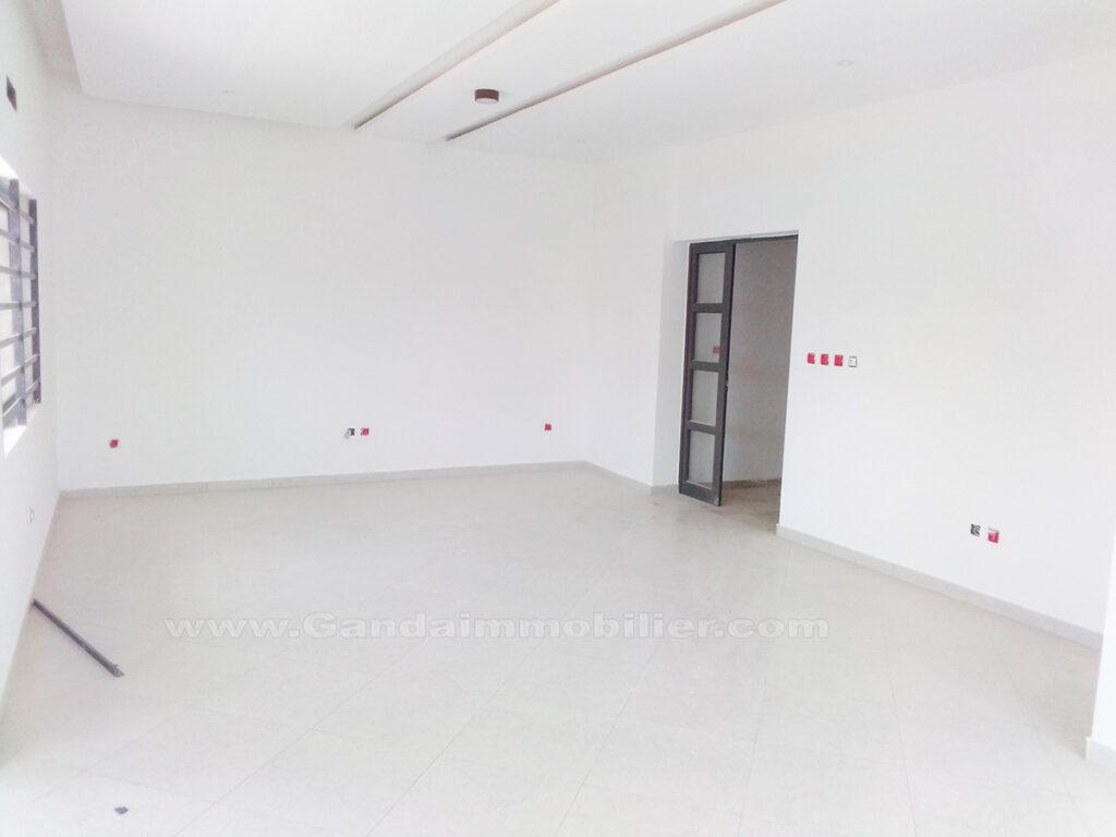 Salon appartement non meublé à Akpakpa