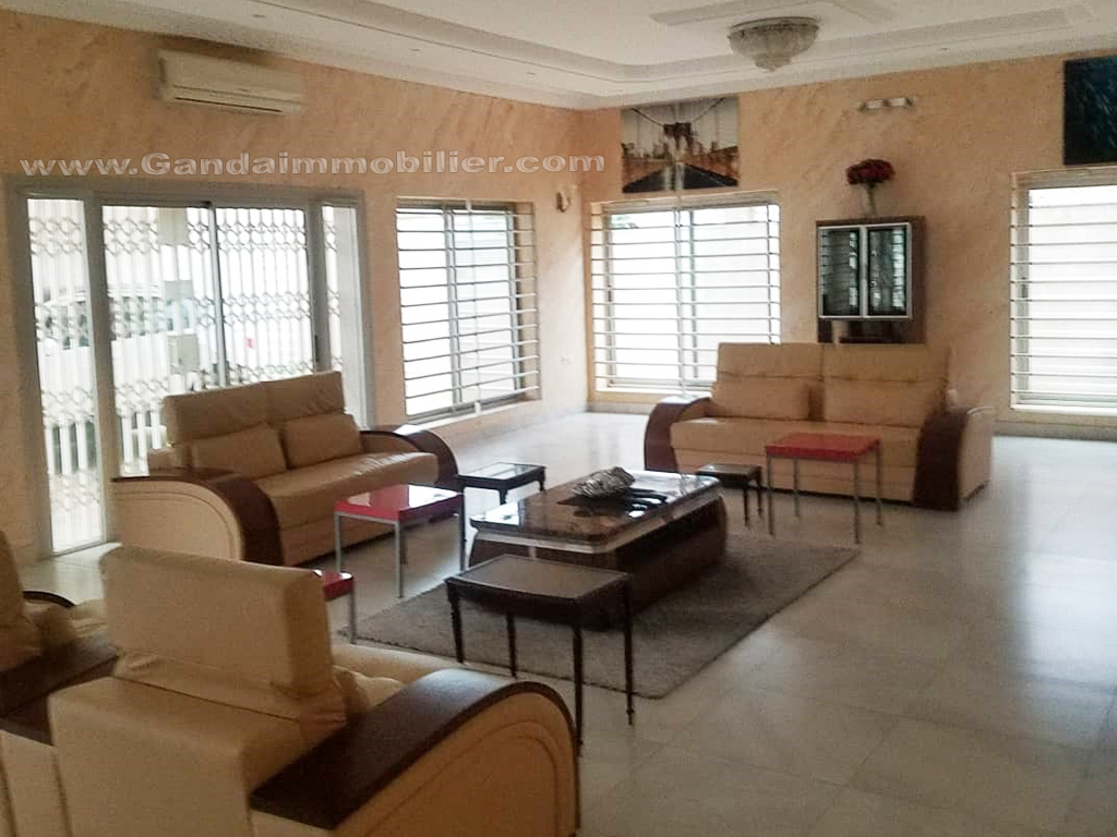 Villa luxueuse et spacieuse à Cadjehoun