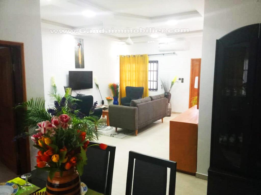 Salon appartement meublé et climatisé tout confort à Fidjrossè cotonou
