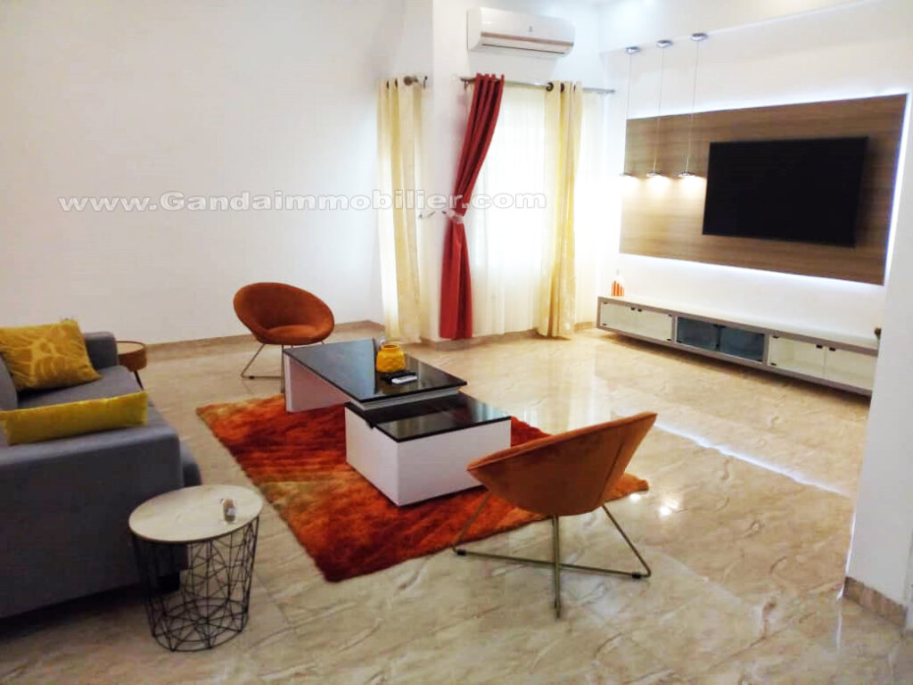 Grande villa meublée à Akpakpa CEN SAD