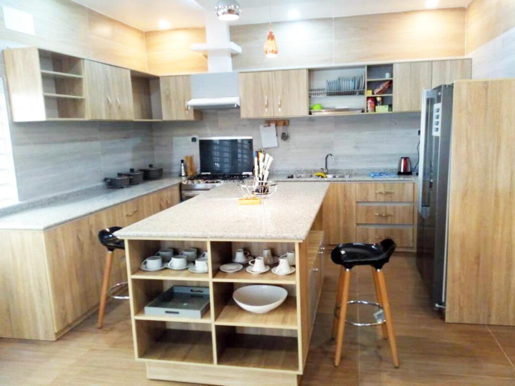 Cuisine équipée villa meublée CENSAD Cotonou