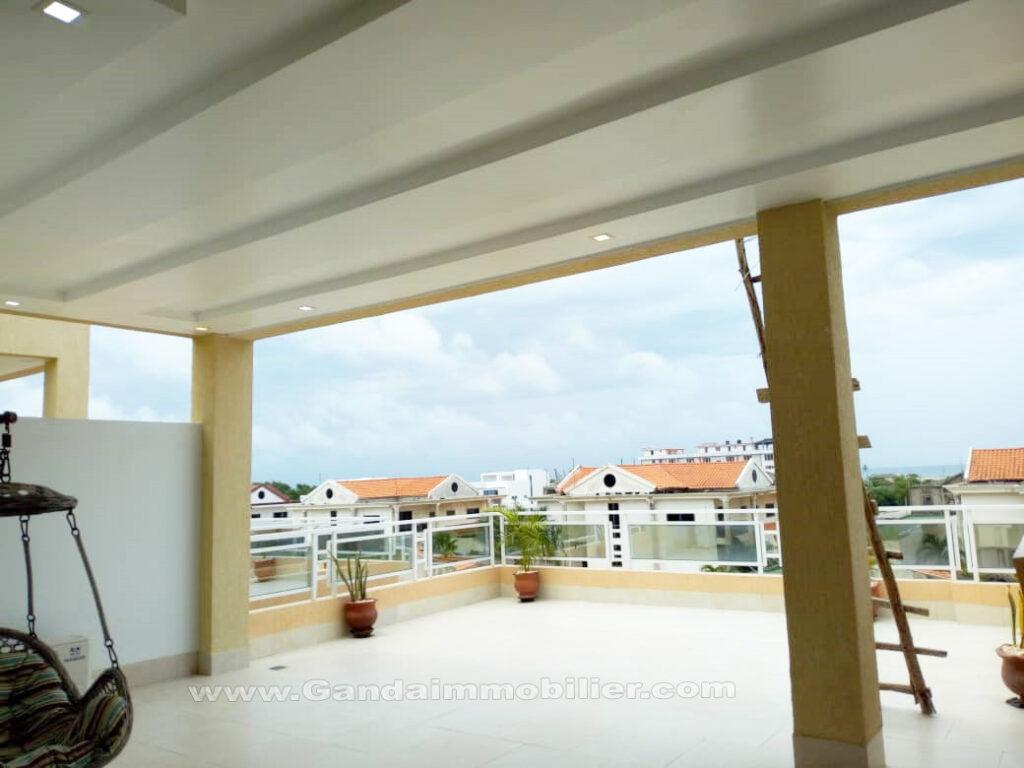 Grande terrasse au 2ième étage villa CEN-SAD Cotonou