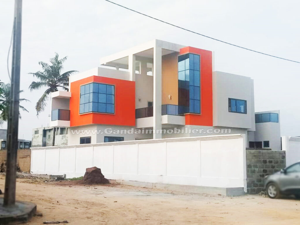 Moderne Villa à vendre avec vue sur mer à Cotonou, nouvelle construction