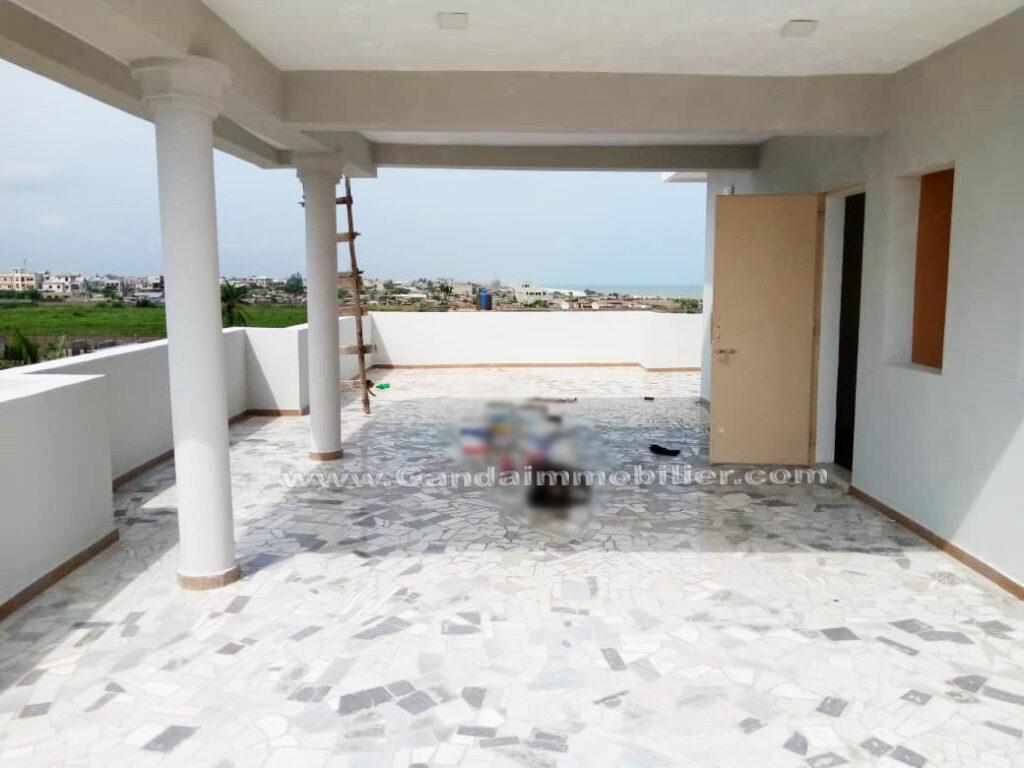 Villa moderne, belle terrasse avec vue sur mer à Cotonou