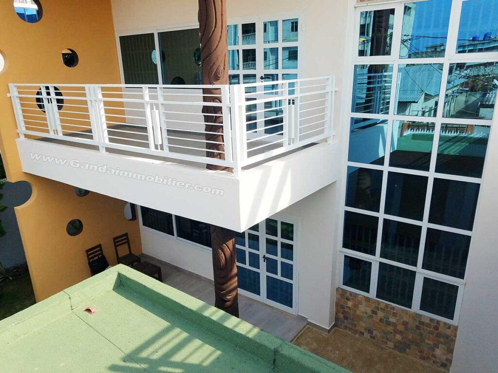 Villa meublée nouvelle construction avec jardin à cotonou