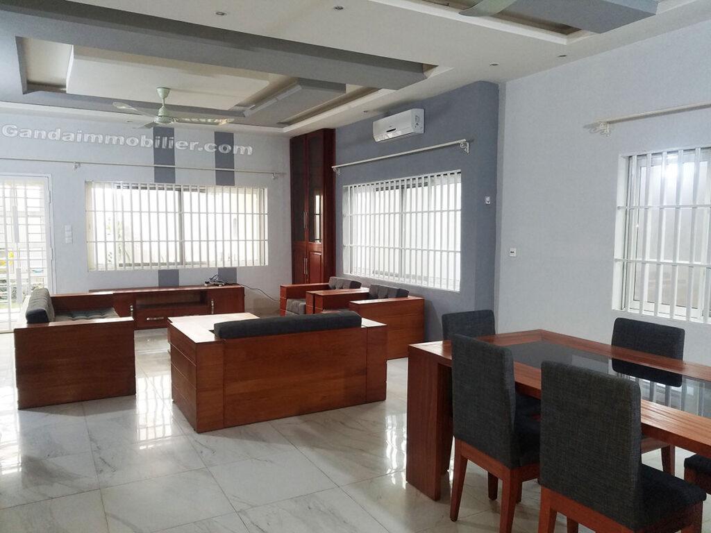 Villa salon avec grand salle à manger à Cotonou