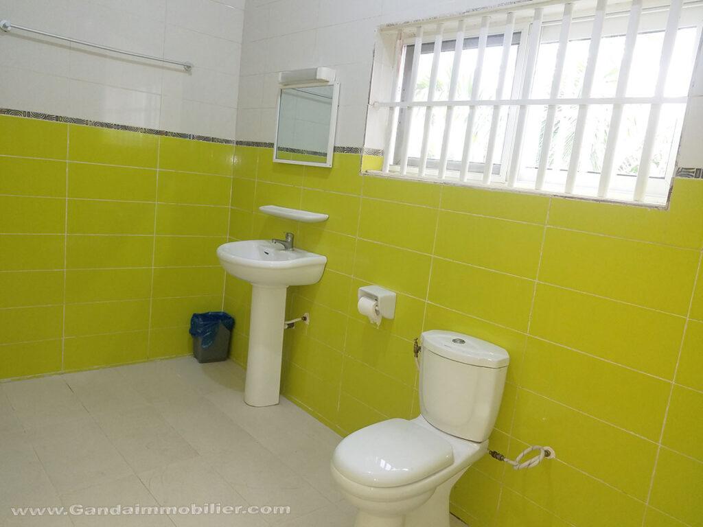 Salle de bains neuve