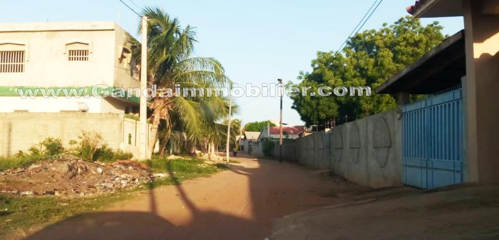 maison locative R+2 à vendre à Calavi