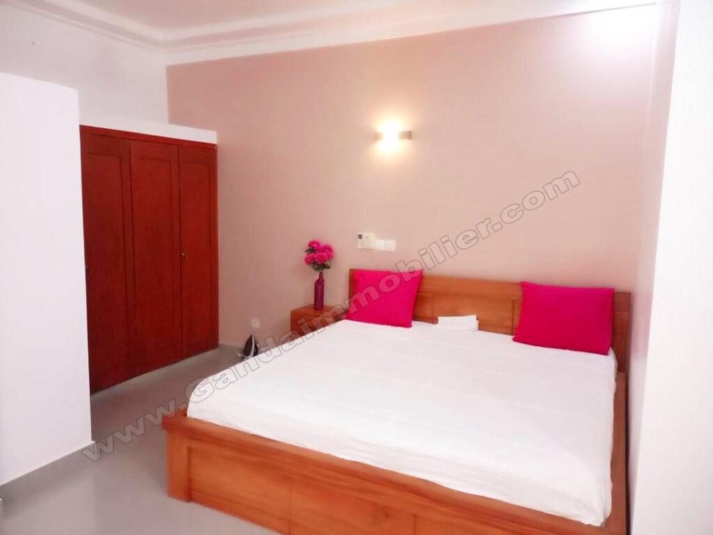 chambre lumineuse meublée à louer cotonou