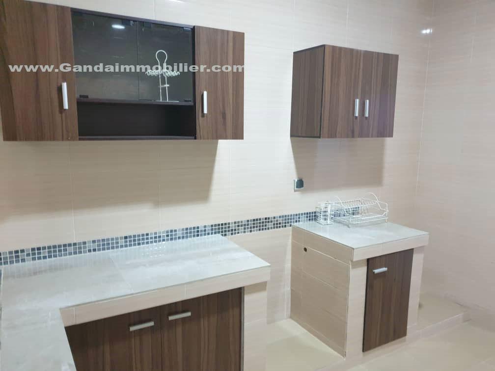 Nous mettons en location un appartement meublé de 04 pièces à Fidjrossè