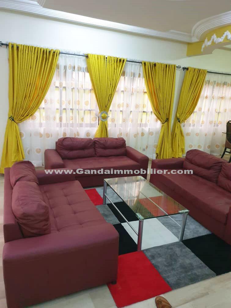 Ganda Immobilier met en location un appartement de 04pièce à Fidjrossè